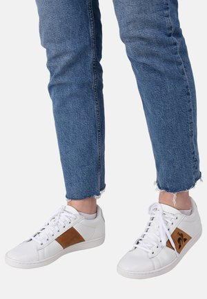 COURTCLASSIC - Sneaker low - white