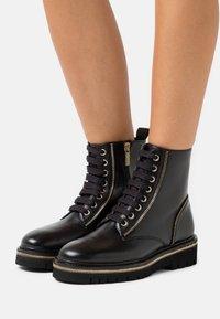 Steffen Schraut - ZIP STREET - Lace-up ankle boots - black - 0