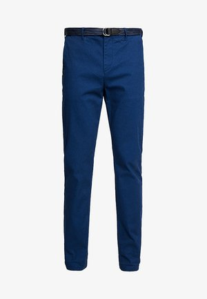 STUART WITH BELT IN STRETCH - Chinos - blue coast