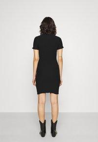 Tommy Jeans - BODYCON SMOCK DRESS - Shift dress - black - 2