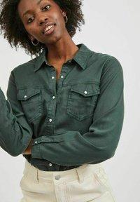 Vila - Button-down blouse - darkest spruce - 3