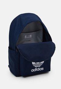 adidas Originals - CLASSIC UNISEX - Rucksack - conavy - 2
