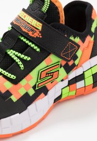 Skechers - MEGA-CRAFT - Tenisky - black/orange/lime - 5