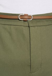 b.young - DAYS CIGARET PANTS  - Chinos - olive night - 6