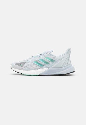 X9000L3 H.RDY - Zapatillas de running neutras - half blue/footwear white/clear mint