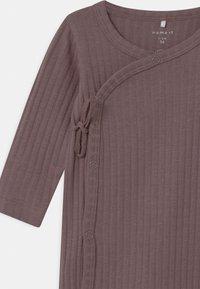 Name it - NBFSERIDA WRAP  - Pyjama - twilight mauve - 2