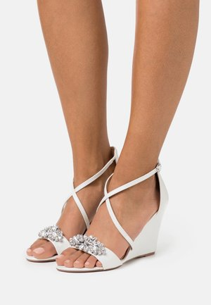 SIENNA - Wedge sandals - white