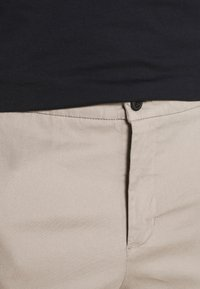 Lindbergh - WORKWEAR PANTS - Trousers - stone - 3