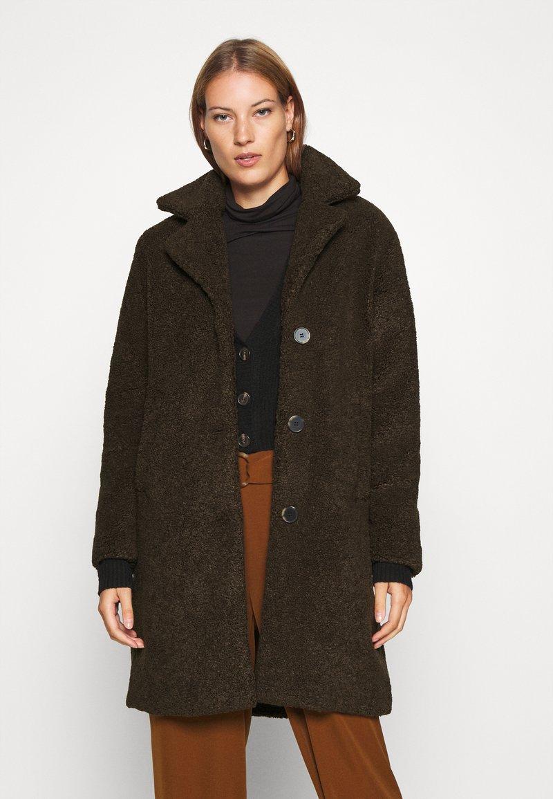 Selected Femme - SLFNANNA TEDDY COAT - Winter coat - coffee bean