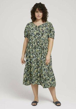 Długa sukienka - multicolor