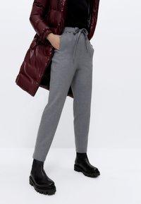 Uterqüe - STRETCH  - Trousers - grey - 0