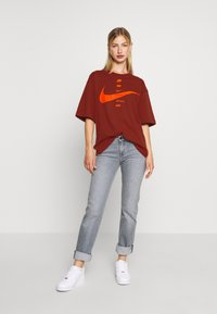 Nike Sportswear - Print T-shirt - firewood orange/total orange - 1
