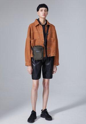 OTIZ - Across body bag - khaki
