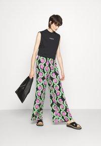 Stieglitz - JAHAN PANTS - Kalhoty - multicolor - 1