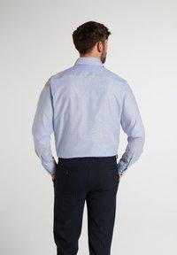 Eterna - COMFORT FIT - Shirt - helllblau/weiss - 1