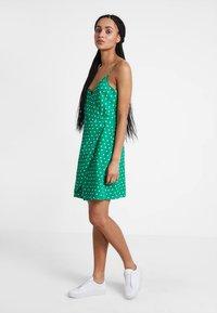Even&Odd - Denní šaty - off-white, green - 2