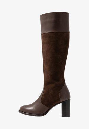 Klassiska stövlar - brown