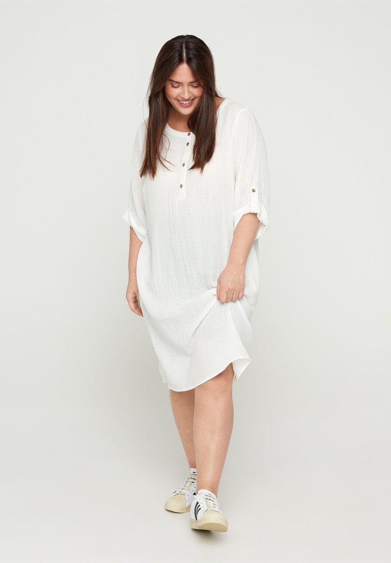 Zizzi - VVIVU - Korte jurk - bright white