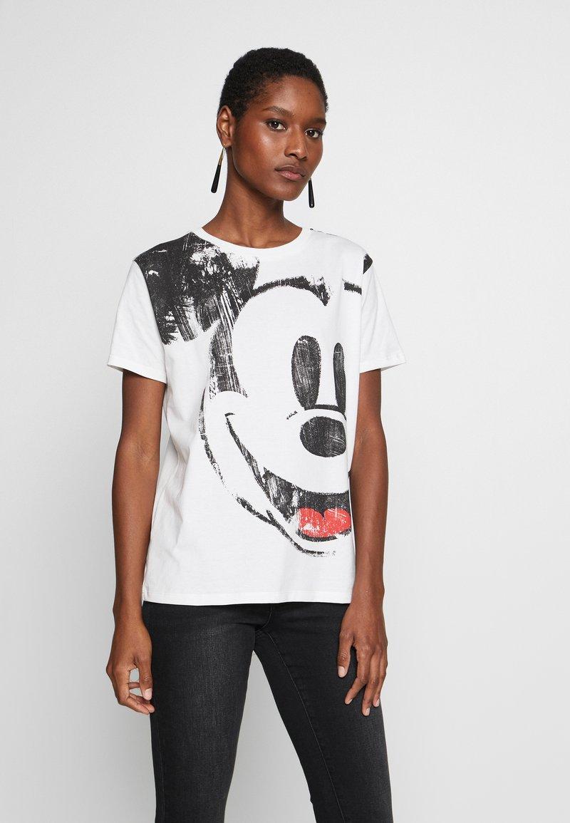 Desigual - T-shirts med print - blanco