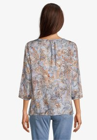 Betty Barclay - MIT MUSTER - Blouse - blue/orange - 2