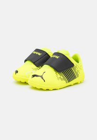 Puma - FUTURE Z 4.1 TT V UNISEX - Astro turf trainers - yellow alert/black/white - 1