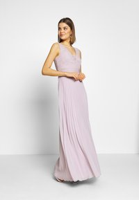 Chi Chi London - SUVI DRESS - Ballkjole - lilac - 1