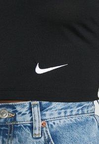 Nike Sportswear - W NSW TEE SLIM CROP LBR - T-shirts print - black - 5