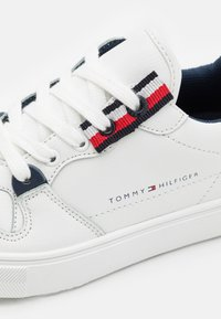 Tommy Hilfiger - Sneakers basse - white - 5