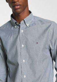Tommy Hilfiger - PEACHED SOFT  - Shirt - blue - 4