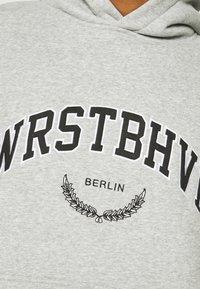 WRSTBHVR - OFFBEAT HOODIE UNISEX - Sweat à capuche - grey melange - 4