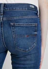Tommy Jeans - MID RISE - Straight leg jeans - utah mid bl com - 4