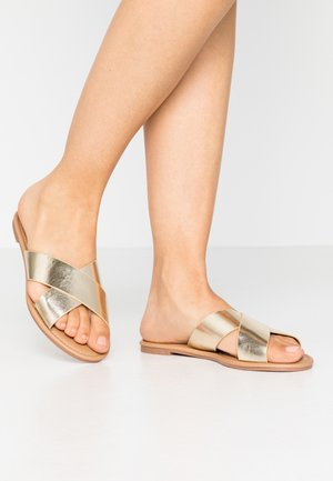 EVERYDAY SCARLETT SLIDE - Mules - metallic gold