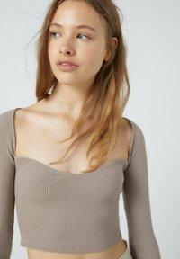 PULL&BEAR - Long sleeved top - brown - 3