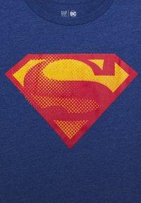 GAP - BOY SHIELD TEE - Print T-shirt - brilliant blue - 2