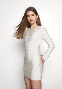 Hervé Léger - ICON LONG SLEEVE DRESS - Shift dress - alabaster - 3