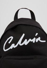 Calvin Klein Jeans - SPORT ESSENTIALS CAMPUS - Batoh - black - 2