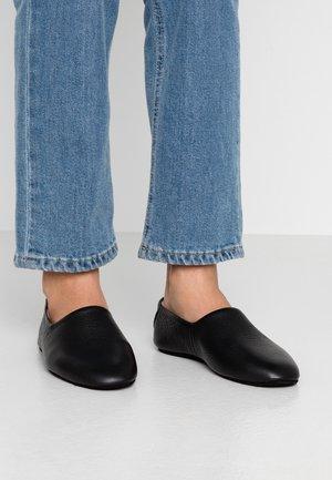 COZ LOAFER - Slippers - black