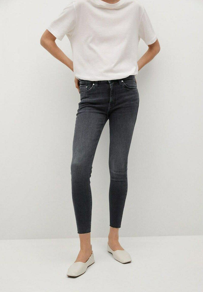 Mango - ISA - Jeans Skinny Fit - open grijs