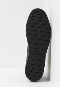 HUGO - Korkeavartiset tennarit - black - 4