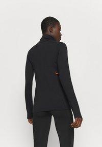 Mons Royale - OLYMPUS 3.0 - Sports shirt - black - 2