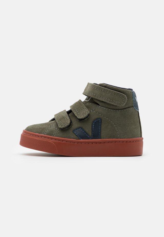 SMALL ESPLAR MID - Sneakers hoog - mud/nautico/rust