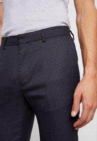 Burton Menswear London - DOGTH - Trousers - grey - 4