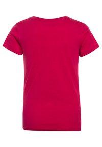 Guess - JUNIOR CORE - T-shirt z nadrukiem - candy pink - 1