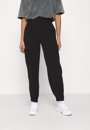 VMBITTEN PANT - Trousers - black