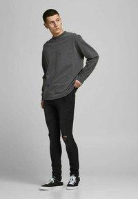 Jack & Jones - LIAM - Jeans Skinny Fit - black denim - 4