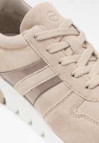 Tamaris - LACE UP - Trainers - taupe/light bronc - 2