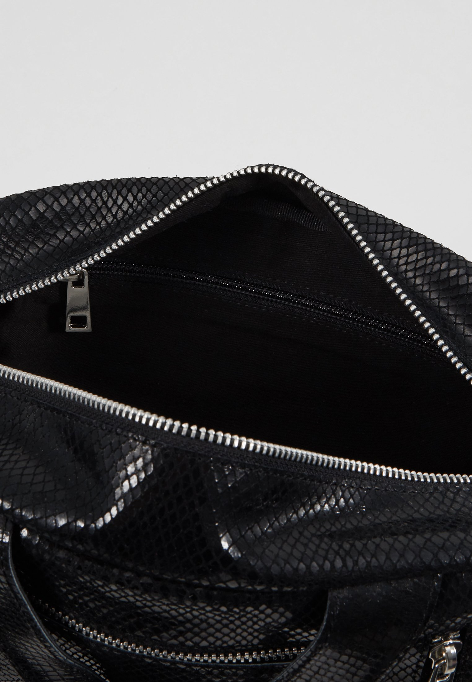 Núnoo DONNA - Håndveske - black/svart v4zjVgvUnwriJ8b