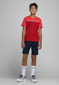 Jack & Jones Junior - Print T-shirt - bittersweet - 1