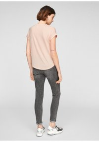 Q/S designed by - Basic T-shirt - spring rose - 2