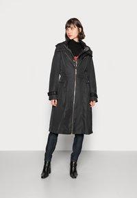 Liu Jo Jeans - IMBOTTITO OVATT LUNG - Winter coat - nero - 0